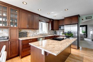 Photo 13: 60 Shawfield Way SW in Calgary: Shawnessy Detached for sale : MLS®# A1113595