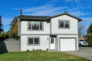 Photo 2: 19917 47A Avenue in Langley: Langley City House for sale : MLS®# R2531023