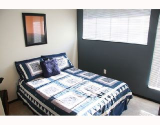 Photo 9: 3026 MAPLEBROOK Place in Coquitlam: Meadow Brook 1/2 Duplex for sale : MLS®# V716673