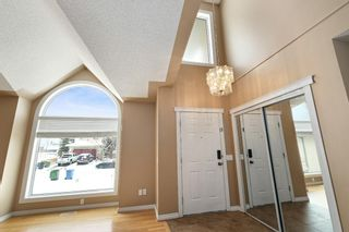 Photo 6: 312 Hawkstone Close NW in Calgary: Hawkwood Detached for sale : MLS®# A1084235