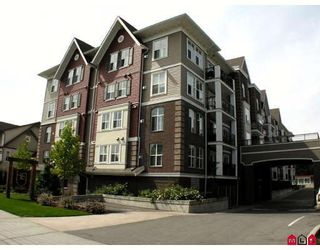 """Photo 1: 304 8933 EDWARD Street in Chilliwack: Chilliwack W Young-Well Condo for sale in """"KING EDWARD"""" : MLS®# H2903328"""