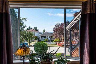 Photo 4: 557 E 56TH AVENUE in Vancouver: South Vancouver House for sale (Vancouver East)  : MLS®# R2385991