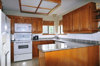 Photo 2: 12412 MEADOW BROOK Place in Maple Ridge: Northwest Maple Ridge House for sale : MLS®# V1047013