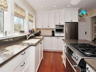 Photo 10: 1120 Woodstock Ave in VICTORIA: Vi Fairfield West House for sale (Victoria)  : MLS®# 606322