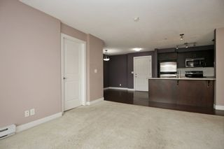 """Photo 4: 317 46150 BOLE Avenue in Chilliwack: Chilliwack N Yale-Well Condo for sale in """"NEWMARK"""" : MLS®# R2295176"""