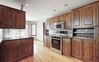 Photo 10: 200 COUNTRY CLUB Point in Edmonton: Zone 22 Attached Home for sale : MLS®# E4236589