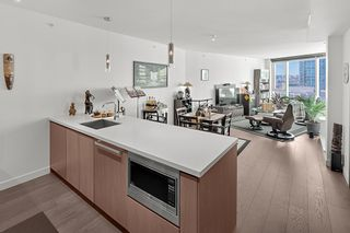 """Photo 9: 1210 68 SMITHE Street in Vancouver: Downtown VW Condo for sale in """"ONE Pacific"""" (Vancouver West)  : MLS®# R2405438"""