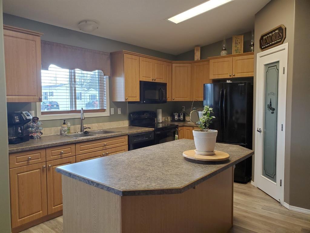 Photo 3: Photos: 2105 19 Avenue: Delburne Detached for sale : MLS®# A1107077