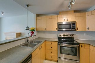 Photo 6: 77 7488 SOUTHWYNDE AVENUE in Burnaby: South Slope Townhouse for sale (Burnaby South)  : MLS®# R2120545