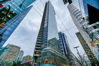 """Photo 2: 2207 1111 ALBERNI Street in Vancouver: West End VW Condo for sale in """"Shangri-La"""" (Vancouver West)  : MLS®# R2335303"""