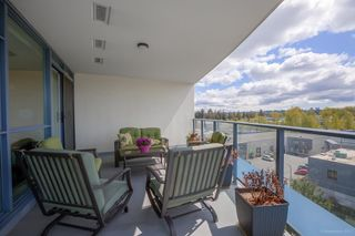 """Photo 3: 705 5611 GORING Street in Burnaby: Central BN Condo for sale in """"THE LEGACY"""" (Burnaby North)  : MLS®# R2161193"""