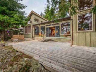 Photo 3: 9185 HYDAWAY Road in Sechelt: Halfmn Bay Secret Cv Redroofs House for sale (Sunshine Coast)  : MLS®# R2504559