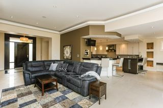 Photo 6: 312 CALDWELL Close in Edmonton: Zone 20 House for sale : MLS®# E4229311