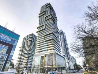 "Photo 1: 907 6383 MCKAY Avenue in Burnaby: Metrotown Condo for sale in ""Gold House"" (Burnaby South)  : MLS®# R2532723"