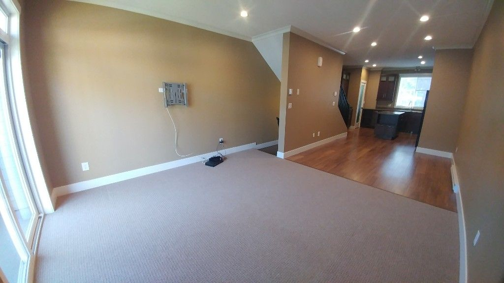 Photo 10: Photos: 7-5805 Sappers Way in Chilliwack: Garrison Townhouse for rent