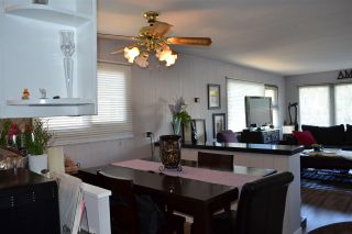 """Photo 11: 53 1840 160 Street in Surrey: King George Corridor Manufactured Home for sale in """"Breakaway Bays"""" (South Surrey White Rock)  : MLS®# R2098487"""