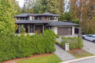 Photo 1: 3850 HILLCREST Avenue in North Vancouver: Edgemont House for sale : MLS®# R2621492
