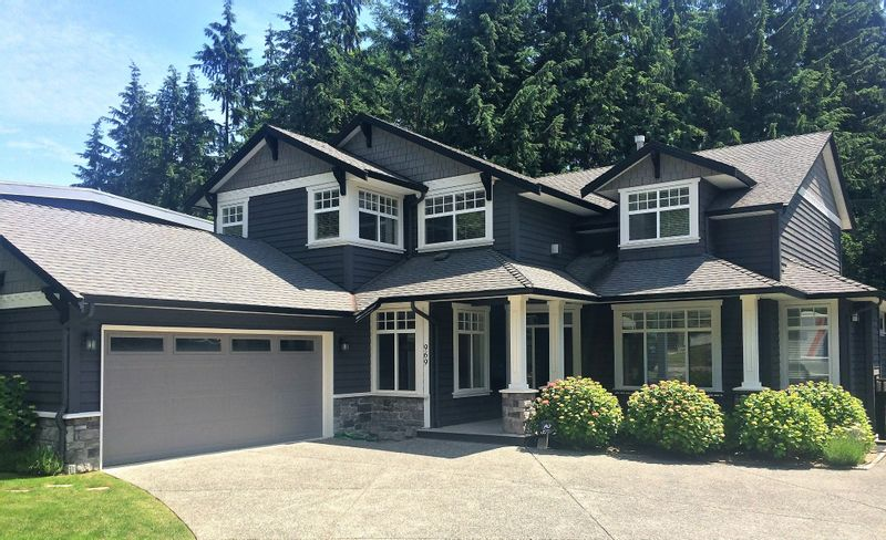 FEATURED LISTING: 969 BELVEDERE Drive North Vancouver
