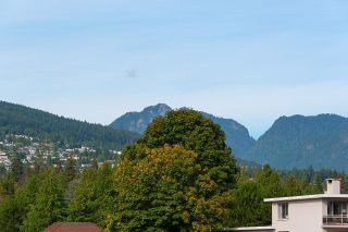 """Photo 4: 505 2135 ARGYLE Avenue in West Vancouver: Dundarave Condo for sale in """"THE CRESCENT"""" : MLS®# R2620347"""