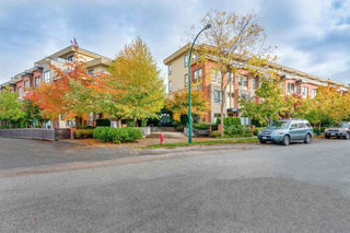 Photo 18: 1871 Stainsbury Avenue in Vancouver: Victoria VE Townhouse for sale (Vancouver East)  : MLS®# R2118664