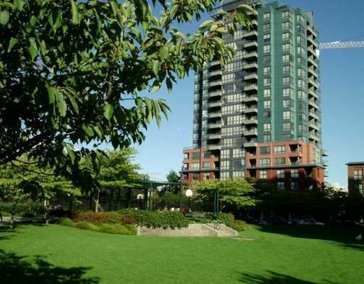 "Main Photo: 5288 MELBOURNE Street in Vancouver: Collingwood Vancouver East Condo for sale in ""EMERALD PARK PLACE"" (Vancouver East)  : MLS®# V618474"