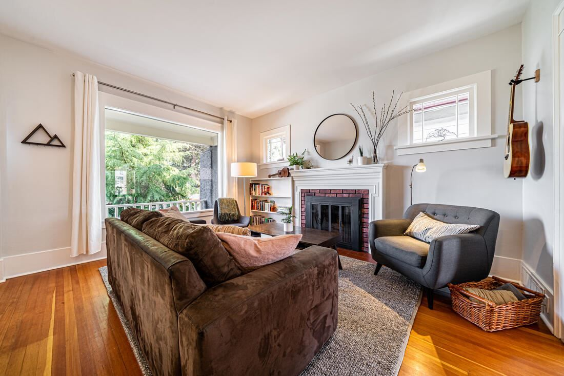 Photo 5: Photos: 2566 DUNDAS Street in Vancouver: Hastings House for sale (Vancouver East)  : MLS®# R2563281