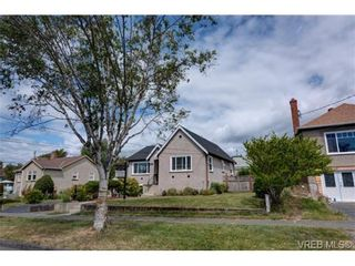Photo 12: 1140 Vista Hts in VICTORIA: Vi Hillside House for sale (Victoria)  : MLS®# 674525