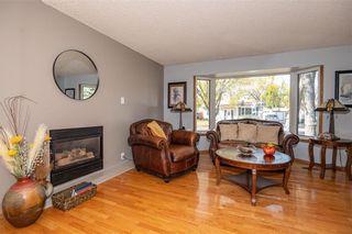 Photo 9: 91 Bright Oaks Bay in Winnipeg: Bright Oaks Residential for sale (2C)  : MLS®# 202123881