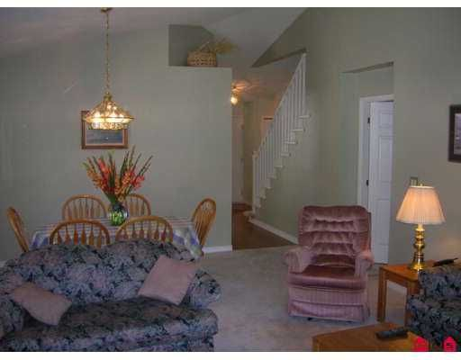 """Photo 8: Photos: 109 9208 208TH Street in Langley: Walnut Grove Townhouse for sale in """"Churchill Park"""" : MLS®# F2723347"""