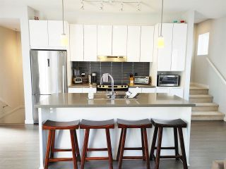 Photo 4: 54 8138 204TH Street in Langley: Willoughby Heights Townhouse for sale : MLS®# R2477324