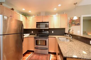 Photo 9: 206 627 Brookside Rd in VICTORIA: Co Latoria Condo for sale (Colwood)  : MLS®# 781371