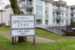 """Photo 1: 226 32850 GEORGE FERGUSON Way in Abbotsford: Central Abbotsford Condo for sale in """"ABBOTSOFRD PLACE"""" : MLS®# R2600359"""
