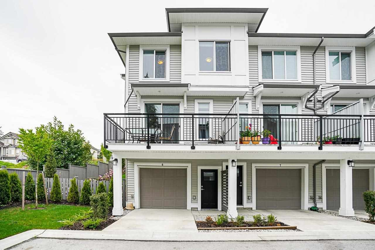 """Main Photo: 8 9688 162A Street in Surrey: Fleetwood Tynehead Townhouse for sale in """"CANOPY LIVING"""" : MLS®# R2573891"""