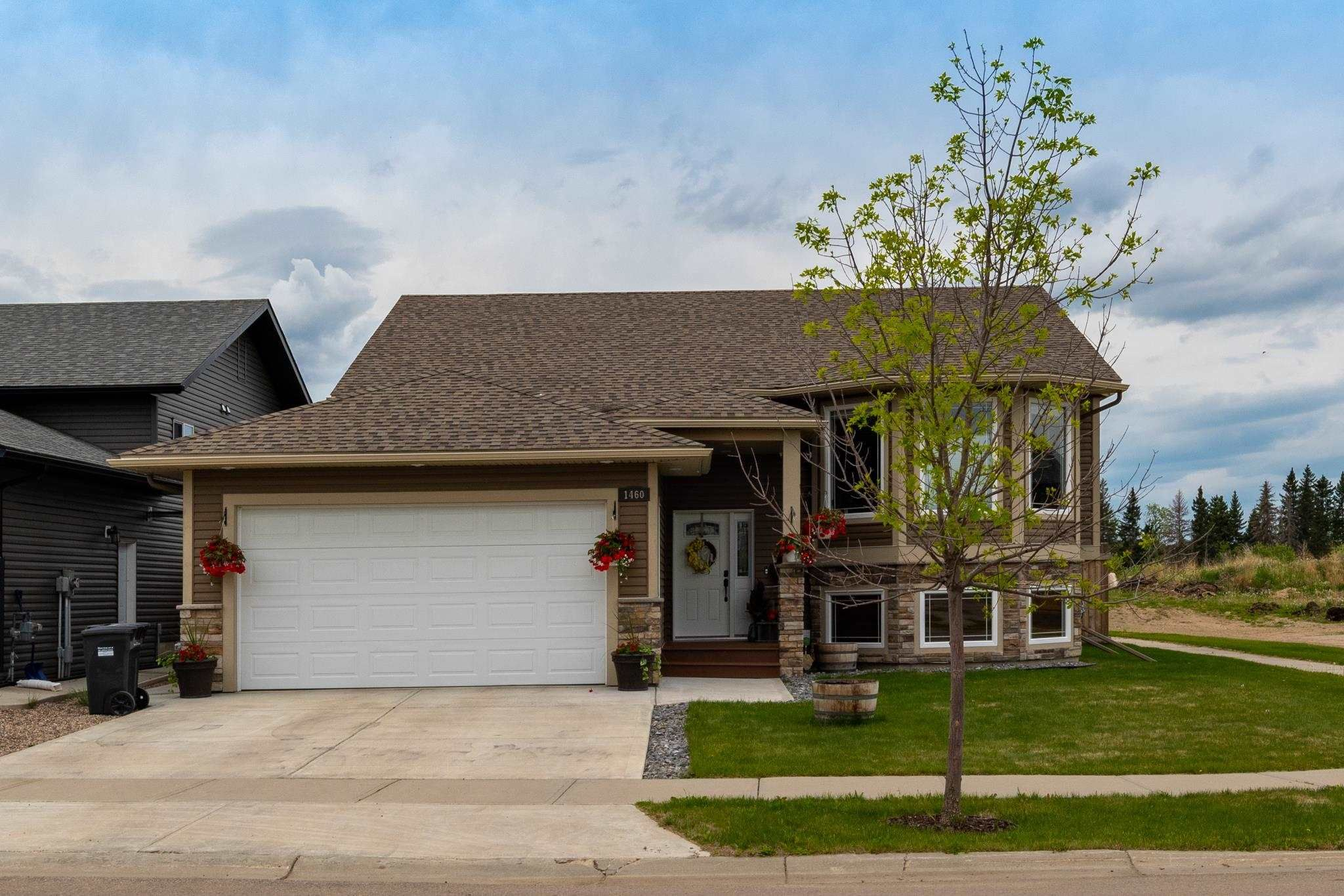 Main Photo: 1460 Wildrye Crescent: Cold Lake House for sale : MLS®# E4248418