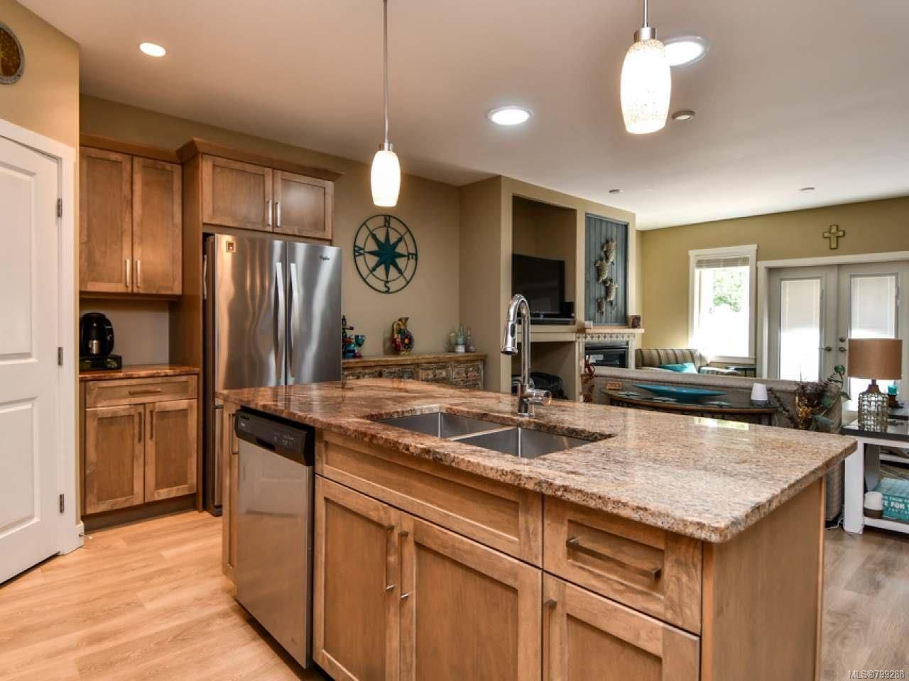 Photo 14: Photos: 11 301 Arizona Dr in CAMPBELL RIVER: CR Willow Point Half Duplex for sale (Campbell River)  : MLS®# 799288