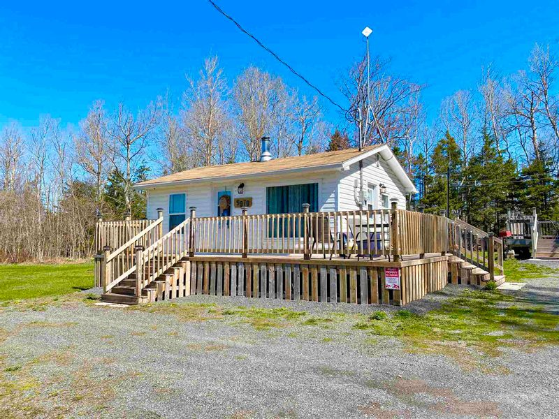 FEATURED LISTING: 5979 Highway 6 Caribou River