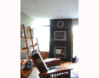 """Photo 3: E3 1070 W 7TH Avenue in Vancouver: Fairview VW Townhouse for sale in """"FALSE CREEK TERRACE"""" (Vancouver West)  : MLS®# V654865"""