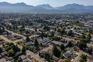 """Photo 34: 2 45900 LEWIS Avenue in Chilliwack: Chilliwack N Yale-Well Townhouse for sale in """"LEWIS SQUARE"""" : MLS®# R2602024"""