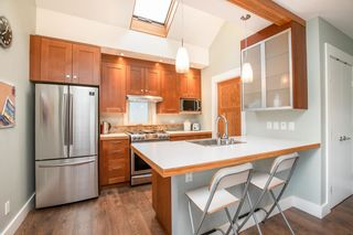 Photo 7: 3061 E 18TH Avenue in Vancouver: Renfrew Heights House for sale (Vancouver East)  : MLS®# R2585313