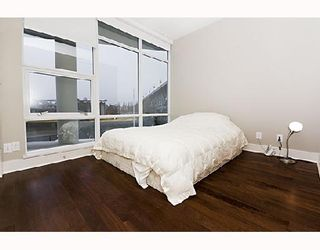 """Photo 7: 503 628 KINGHORNE MEWS BB in Vancouver: False Creek North Condo for sale in """"SILVER SEA"""" (Vancouver West)  : MLS®# V683660"""
