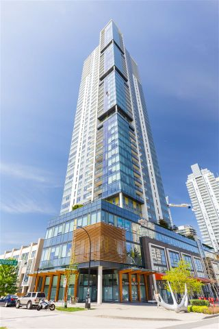 Photo 1: 5901 6461 TELFORD Avenue in Burnaby: Metrotown Condo for sale (Burnaby South)  : MLS®# R2366922