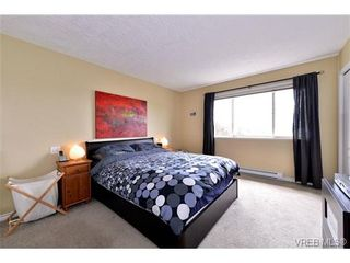 Photo 17: 24 127 Aldersmith Pl in VICTORIA: VR Glentana Row/Townhouse for sale (View Royal)  : MLS®# 738136