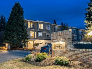 Photo 2: 190 3437 42 Street NW in Calgary: Varsity Row/Townhouse for sale : MLS®# C4288793