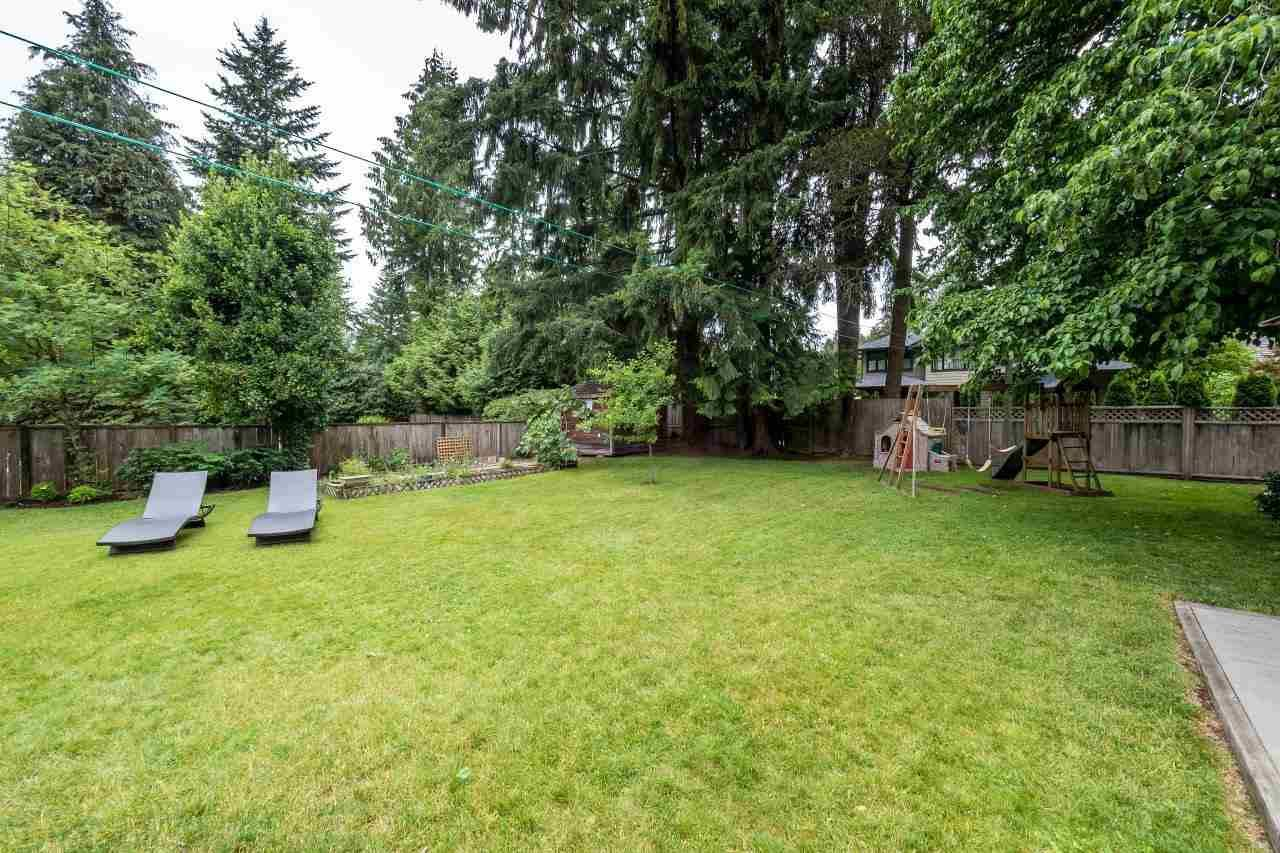 Photo 16: Photos: 1002 CLEMENTS Avenue in North Vancouver: Canyon Heights NV House for sale : MLS®# R2078694