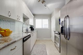 Photo 10: 2117 + 2119 4 AV NW in Calgary: West Hillhurst House for sale : MLS®# C4238056