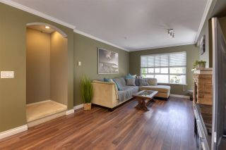 """Photo 2: 11 6747 203 Street in Langley: Willoughby Heights Townhouse for sale in """"Sagebrook"""" : MLS®# R2487335"""
