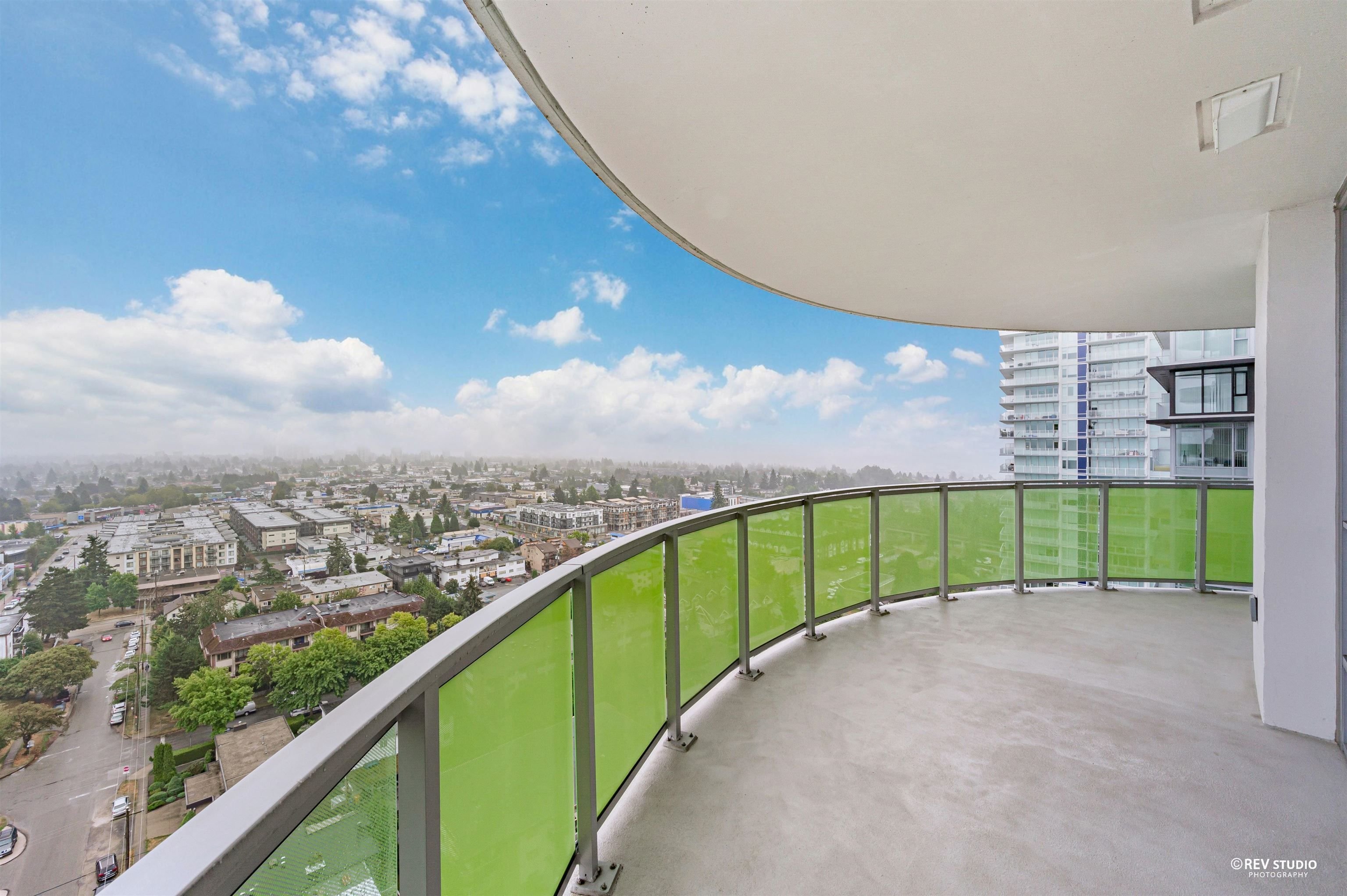 """Main Photo: 2007 6638 DUNBLANE Avenue in Burnaby: Metrotown Condo for sale in """"MIDORI"""" (Burnaby South)  : MLS®# R2615369"""