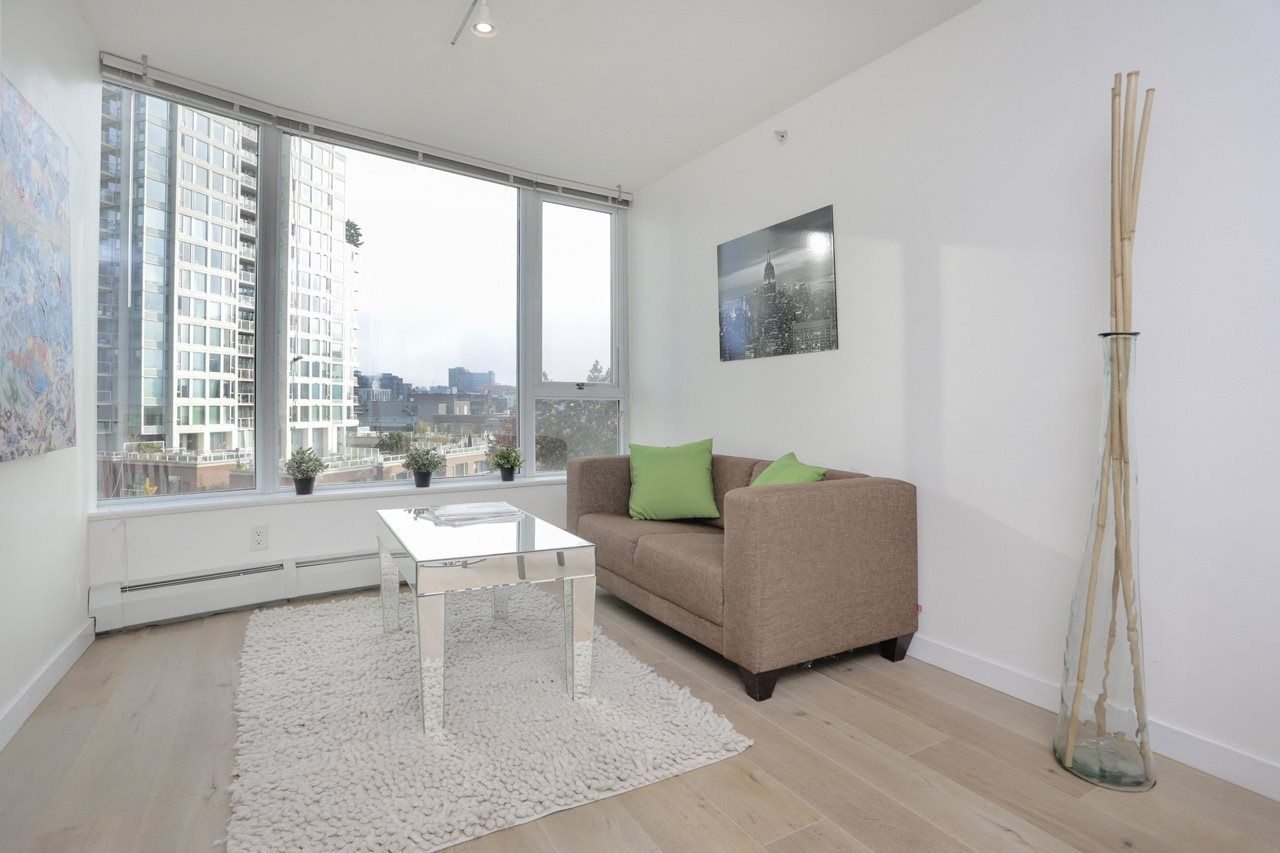 Main Photo: 608 58 KEEFER PLACE in Vancouver: Downtown VW Condo  (Vancouver West)  : MLS®# R2318810