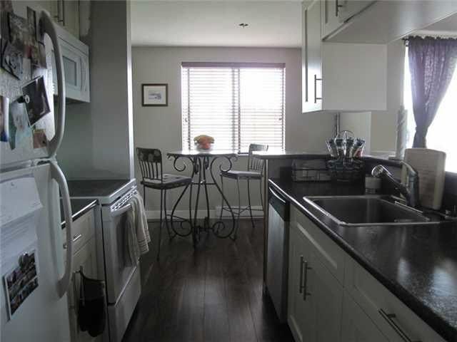 """Photo 3: Photos: 706 9595 ERICKSON Drive in Burnaby: Sullivan Heights Condo for sale in """"Cameron Tower"""" (Burnaby North)  : MLS®# R2163767"""