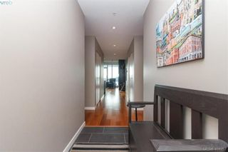 Photo 3: 306 68 Songhees Rd in VICTORIA: VW Songhees Condo for sale (Victoria West)  : MLS®# 804691